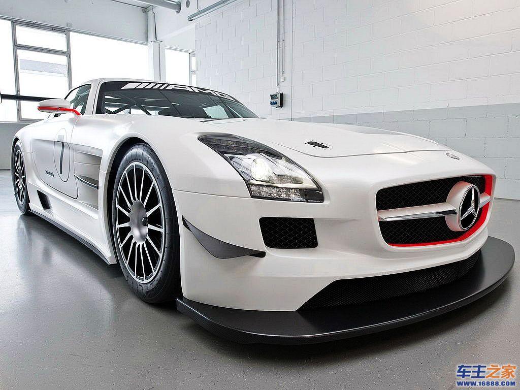展示厅里的高级白色奔驰跑车图片素材下载高清图片