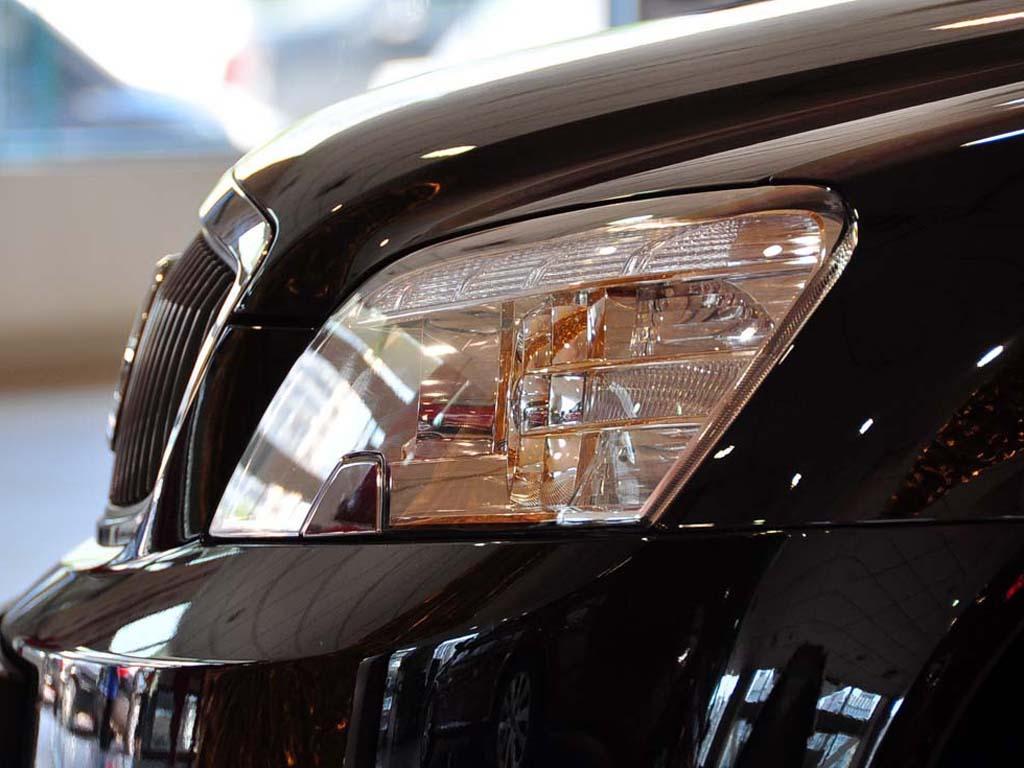 林荫大道 09款 2.8 舒适型前大灯高清图片 林荫大道壁纸图片高清图片
