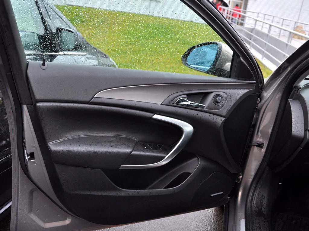 黑色新君威09款2.4l旗舰版车门1.4升桑塔纳图片
