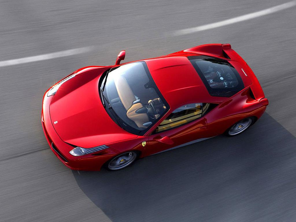 红色法拉利458 italia高空俯视高清图片 法拉利458壁纸图片