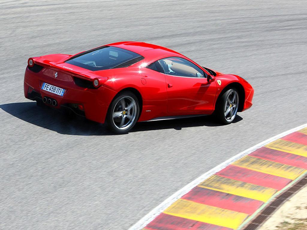 红色法拉利458 italia壁纸高清大图下载,可用于广告 印刷素材–高清图片