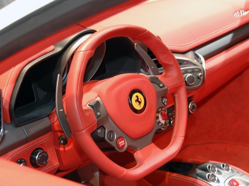法拉利458内饰图片高清图片