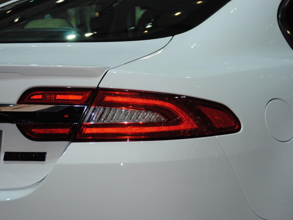豹xf 右后 尾灯高清图片