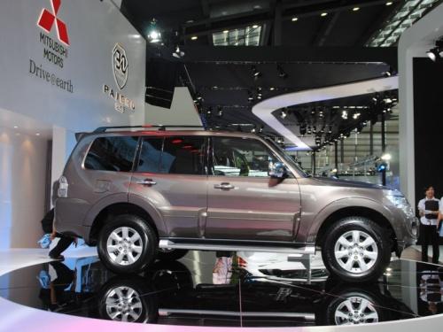 15款帕杰罗 进口 最高优惠9.2万店内现车 高清图片