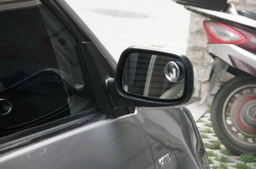安全超车有讲究 要注意观察周围情况