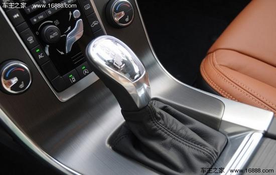购车/沃尔沃V6的还有一款3.0T直列6缸车型可供选择,售价49.99万元...