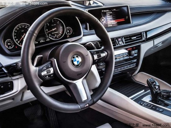 2014款宝马x6巨大的车身内部有着
