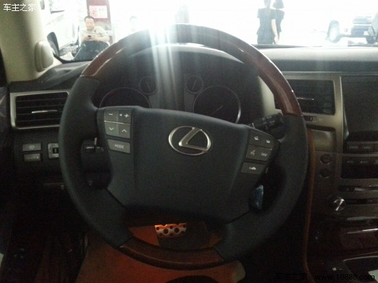 雷克萨斯新款现车 时尚电尾门畅享高端配置高清图片