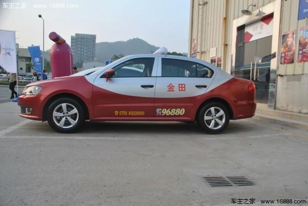 上海大众新桑塔纳出租车和新朗逸出租车